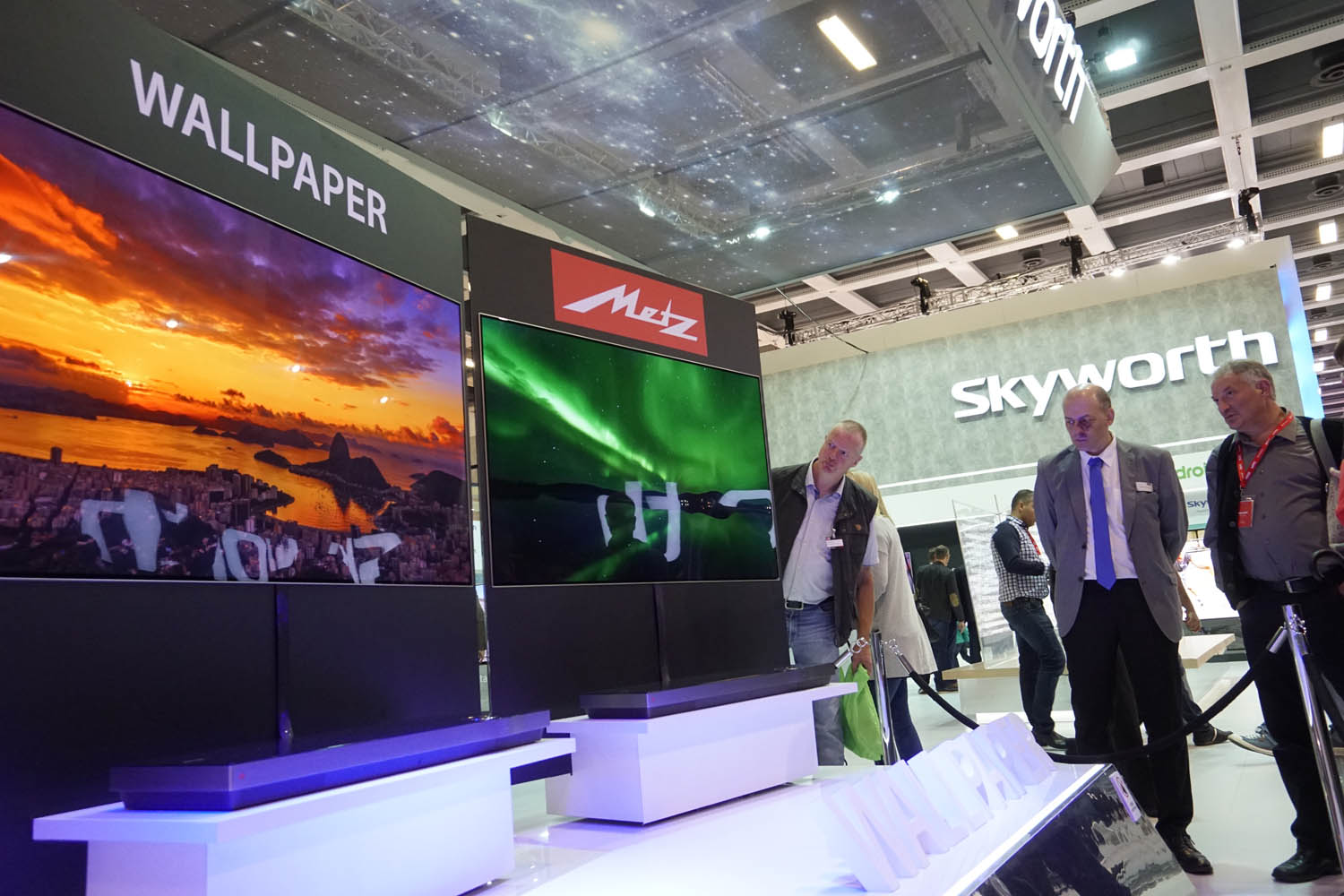 Metz Wallpaper OLED TV IFA 2017